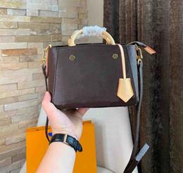 $enCountryForm.capitalKeyWord Australia - Designer shoulder bag Europe and America brand women's handbag genuine leather design high bag quality mini 22*12*16CM designer handbag