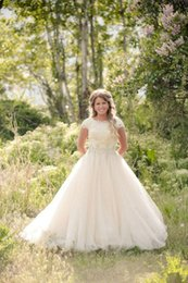 $enCountryForm.capitalKeyWord Australia - 2019 Vintage Country Tulle A Line Wedding Dresses with Beaded Sash Lace Short Sleeves Bridal Wedding Gowns