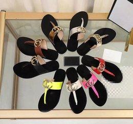Toptan satış 2019 Kadın Slayt Sandalet Tasarımcı Ayakkabı Lüks Slayt Yaz Moda Kalın Kalın Sandalet Terlik Çevirme Ile Geniş Düz Kaygan xx19042310
