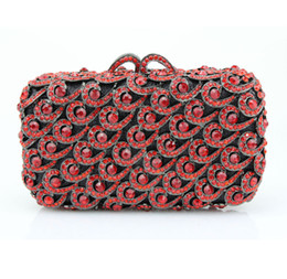 ladies rhinestone handbags Canada - Women gold red Diamond Bag Crystal Clutch Fashion Evening Party Purse Bridal Flower Rhinestones Handbag Ladies Torebki Damskie