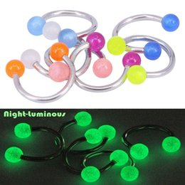 $enCountryForm.capitalKeyWord NZ - Glow In Dark Ball Piercing Nose Ring Ball Horseshoe Circular Ring Labret Nipple Hoops Luminous Nose Eyebrow Piercing