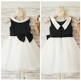 2019 Scoop Neck Short Tulle Flower Girls Vestidos Mangas A-Line Short Formal Sin mangas Long Kids Party Vestidos Princess Girls Party Gowns