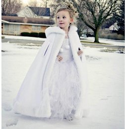cape ankle length dress 2019 - White Long Cape for Kids Wedding Cloak Faux Fur Jacket Winter Children Outerwear for Kids Dresses Coat with Hat discount