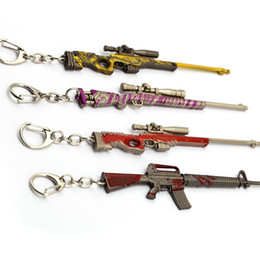 $enCountryForm.capitalKeyWord UK - 10pcs lot Wholesale PUBG Weapon Keychains CS GO Battle Grounds FPS Men Key Chain Gun Model 98K AK47 12cm Metal Pendant Keyrings