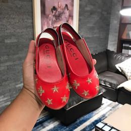 gama alta niños niños niñas princesa zapatos de cuero sandalias de moda niños estrellas abeja zapatos de cuero bordados
