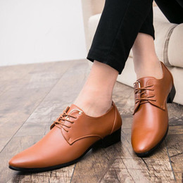 Korean style dress shoes online shopping - New fashion pointy leather shoes men s business casual shoes British style Korean fashion stylist lacquer leather shiny leather shoes