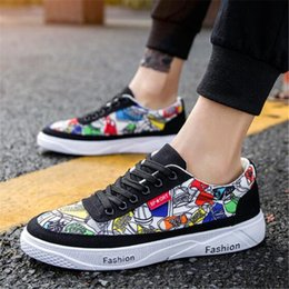 $enCountryForm.capitalKeyWord NZ - 2019 Men Casual Canvas Shoes Fashion Print Sneakers Summer Trainers Leisure Shoes Men's Flats Slip Chaussures pour hommes