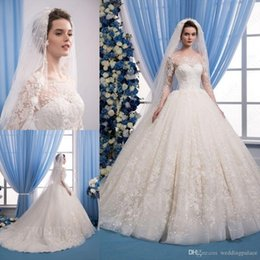 ball gown wedding dresses veils Australia - Ball Gown Wedding Dresses Jewel Neck Plus Size Lace Applique Long Sleeve Wedding Dress With Free Bridal Veils Custom Made Beach Bride