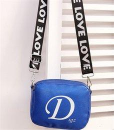 $enCountryForm.capitalKeyWord Australia - Small Designer Luxury Crossbody Bags Fashion Broadband Camera Bounty Single Shoulder Slant Designer Style Luxury Cross Body Bags New Arrival