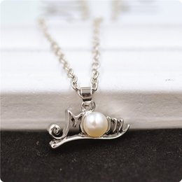 $enCountryForm.capitalKeyWord Australia - English Letter Mom Chain Necklaces For Mother Birthday Party Pendant Jewelry Fashion Women Pearl Necklace Easy To Carry 3 5cs BB