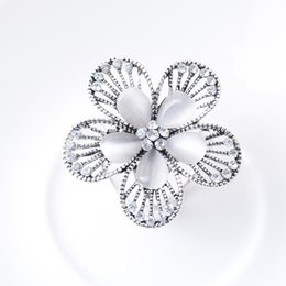 $enCountryForm.capitalKeyWord UK - HOT!Rhinestone Crystal Jewelry Ladies Scarf Bouquet Bridal Brooch Brooch Female Flower Bouquet Bridal Brooch Pin Accessories