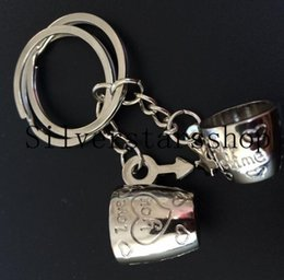 $enCountryForm.capitalKeyWord Australia - Love Cup Key Chain Pendant Creative Couple Keychain Men and Women Symbol Cup Ornament Taobao Gifts