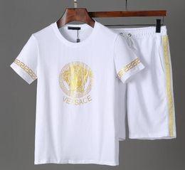 $enCountryForm.capitalKeyWord Australia - Hot Brand Short sleeve suit Men women Sports Suit jogging Running sweatshirt shirt shorts tracksuits sportswear t shirt beach pants 2pcs G41