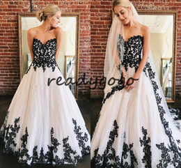 informal lace wedding dresses NZ - Vintage Black and White Wedding Dresses 2020 Retro Lace-up Corset Gothic Lace Applique Garden Outdoor Bridal Informal Wedding Gown