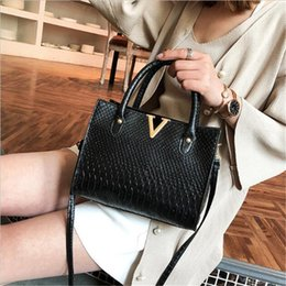 prices purses NZ - Designer Crossbody Bag Luxury Handbag Purses Womens Leather V Letters Designers Handbags Girls Bags Luxury Quality New Arrival Factory Price