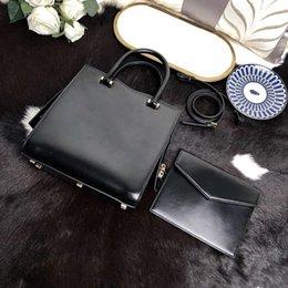 $enCountryForm.capitalKeyWord Australia - Designer women's bag brand handbag genuine leather high quality two-piece designer composite bag 23*23*11cm designer shoulder bag