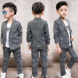$enCountryForm.capitalKeyWord Australia - 2019 Two Pieces Kids Formal Wear Boys Plaid Blazers Outfits Children Slim Fit Wedding Suits Handsome In Stock Boys Clothes
