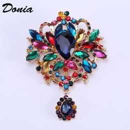 flower rhinestone resin brooch UK - Donia jewelry European and American popular Brooch beautiful flower brooch gift Brooch Christmas birthday coat scarf accessoriesC