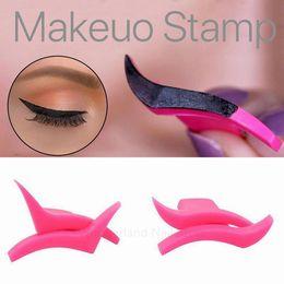 $enCountryForm.capitalKeyWord NZ - 1Pair Eyeliner Pen Mold Model Professional Makeup New Wing Style Easy Makeup Eye Wings,eyeliner stamp,eyeliner tool wings cosmetics