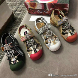 Black magic Back online shopping - 2019 New Male Sandals leather Alphabetic Diamonds Women Sandals fashion luxury designer Flat Casual sandals Magic Sticker shoes Size