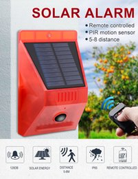 portable security alarm UK - Umlight1688 Solar Strobe Light with Motion Detector Solar Alarm Light with Remote Controller 129db Sound Security Siren Light IP65 Waterproo