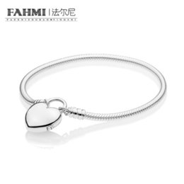 China FAHMI 100% 925 Sterling Silver New 2019 Valentine's Day 597806 MOMENTS Smooth Bracelet with Loved Heart Padlock Clasp for Gift suppliers