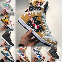 2020 de alta qualidade sapatos de grife esportes ao ar livre Sneakers SB ZOOM DUNK Homens Mulheres Moda quente em Promoção