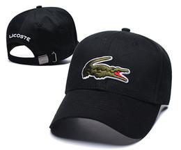 Крокодил Стиль Классические спортивные бейсболки Высокое качество гольф-кепки Sun Hat для мужчин и женщин 9 цветов Регулируемая крышка Snapback Лучший кепка папа на Распродаже