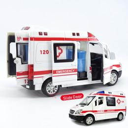 1:32 مدينة دييكاست الإسعاف لعبة نموذج سيارة الطوارئ ضوء الشريحة الباب المفتوح الإسعاف oyuncak التعليمية للأطفال اللعب للأطفال J190525