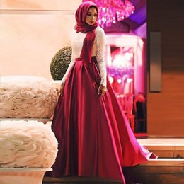 Hijab Red Long Dress Australia - White Red Muslim Prom Dresses 2017 Fashion Long Sleeves Hijab Evening Gowns Lace Satin Floor Length Plus Size Saudi Arabic Party Dresses