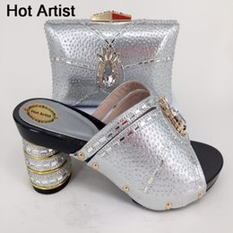 Summer Italian Australia - Designer Hot Artist High Quality Wedding Shoes And Bag Set Italian Summer Pretty Rhinestone High Heels Shoes And Bag For Party Yk-126