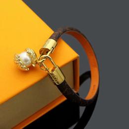 Hot Sale Brand Named Bracelets Lady Round Print Flower V Letter Design Leather Bracelet Bangle With 18k Gold Pearl Pendant on Sale