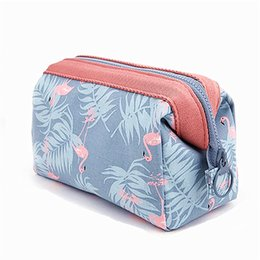 $enCountryForm.capitalKeyWord Australia - New Arrive Flamingo Makeup Storage Bag For Women Cosmetic Organizer Travel Waterproof Portable Makeup Wash Bag For Toiletry