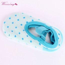 $enCountryForm.capitalKeyWord Australia - Cute Infant Dots Slipper Elestick Band Socks Girls Nib Baby Crib Shoes Booties Ankle Socks