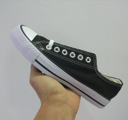 $enCountryForm.capitalKeyWord Australia - Brand New Factory Promotional Price! Canvas Shoes Women and Men Low Style Classic Canvas Shoes Casual Canvas Shoe