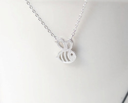 $enCountryForm.capitalKeyWord Australia - 30 small bee charm necklace honeycomb bee hornet animal necklace lady girl heart flying animal pendant necklace jewelry party ball gift