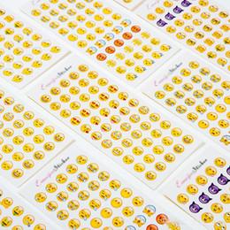 Mural Escolar Com Emojis