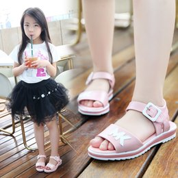 pearl flower girl shoes UK - Girls Sandals Children Shoes 2020 New Summer Shoes Pearls Kids Sandals For Girls Pu Leather Flowers Princess Shoes Girls Sandal
