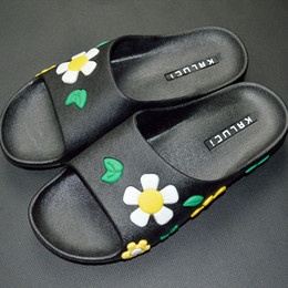 Wholesale ladies wearing slips online – Summer slippers ten miles peach blossom hotel bathroom wear slippers ladies indoor and outdoor non slip cool slippers manufacturers direct s