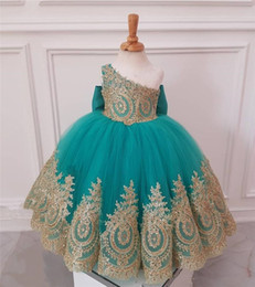 Long white one handed dresses online shopping - African Girls gold Flower Girls Dresses Ball Gown One Shoulder Cheap Knot Bow Long Tulle Girls Birthday First Communion For Kids