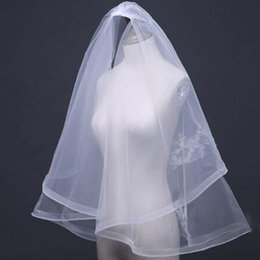 cut edge veils UK - Two Layer Tulle Wedding Veils Short With Cut Edge White Lace Bridal Veil with Comb Cheap Sale