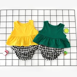 $enCountryForm.capitalKeyWord Australia - INS Baby Little Girls Clothes Suits Girls Blank Tops +Stripes Bloomers 2pcs Set Sleeveless Tees Round Collar Summer Kids Clothing for 9M-3T