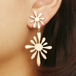 Wholesale Simple Design Retro Temperament Long Big Metal Drop Earrings Sun Flower Earrings for Women Statement Party Jewelry Brincos