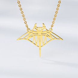 bat accessories halloween UK - Gothic Style Vampire Halloween gifts Bat Necklaces Pendants Movie Accessories Bat Shape Robin Charms Necklace