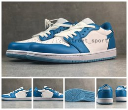 dunking basketball NZ - 2019 SB x Air 1 Low UNC Powder Blue Running Shoes Women Mens Designer Basketball Sneakers 1s Dunks Chicago des Chaussures Zapatos Schuhe