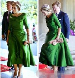 $enCountryForm.capitalKeyWord NZ - 2018 Vintage Mother of the Bride Dresses 3 4 Long Sleeves Tea Length Satin Beaded Bateau 2018 Princess Formal Party Dresses Evening Gowns
