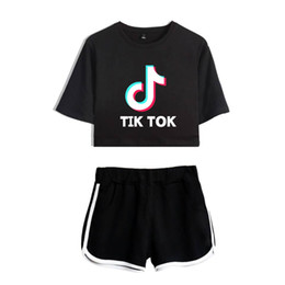 Wholesale cropped t shirts for sale – custom Ladies Girls TIK Tok Printed T Shirt Music Video App Logo Crop Top with Shorts Hip Hop Streetwear Pyjama Sets Cotton Short Sleeve T Shirt