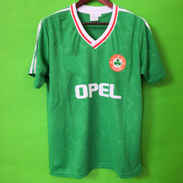 deb56d343 Top thailand 1990 1992 Ireland RETRO Soccer Jerseys Republic of Ireland  National Team Jersey 90 World cup Football kit soccer Shirt green