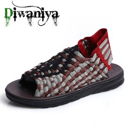 unique sandals shoes NZ - Diwaniya New 2020 Summer Men Sandals Fashion Handmade Weaving Design Breathable Casual Beach Shoes Unique Sandals For Men