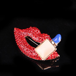 lips brooches Canada - Bling Bling Rhinestone Red Lip Brooch Women Lip Brooch Suit Lapel Pin Fashion Jewelry Accessories for Gift Party